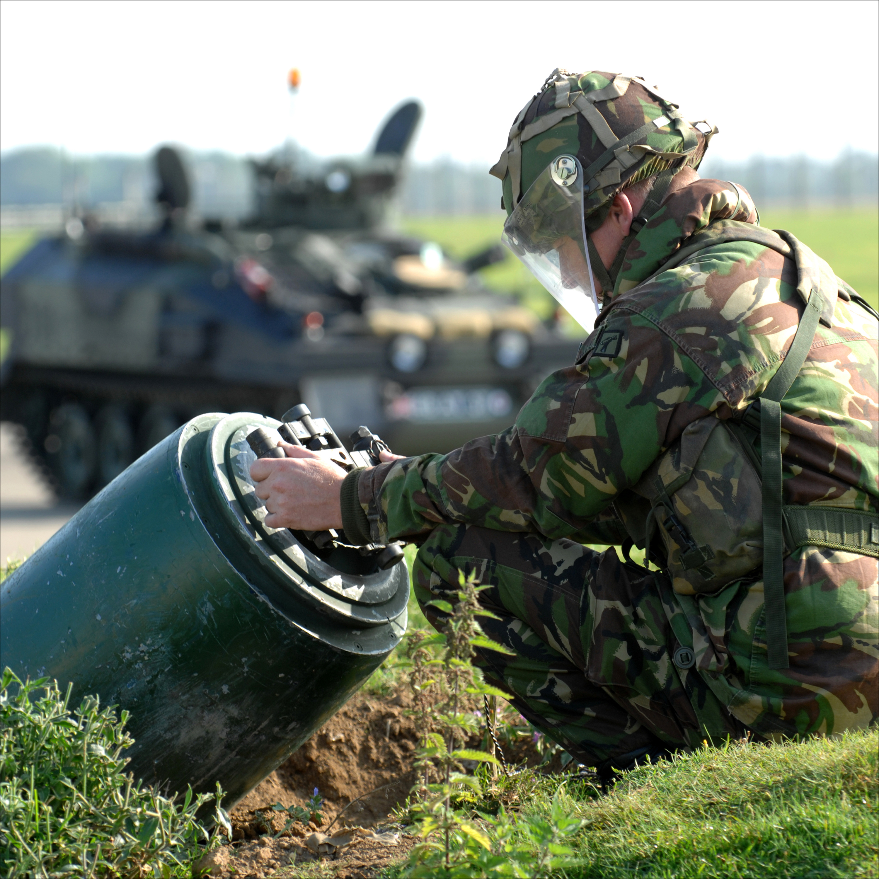 Day with the Royal Engineers Bomb Disposal Team