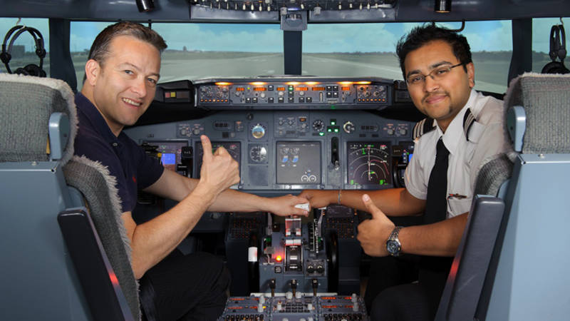 """Become an airline pilot!"" Boeing 737 Flight Simulator session"