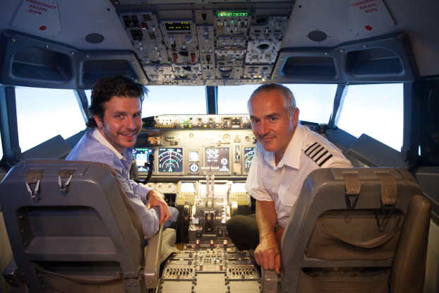 Become an airline pilot in a Boeing 737 Flight Simulator